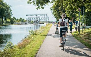 Explorer le Canal du Centre à vélo