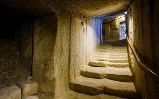 Retourner dans les grottes (Bourré)